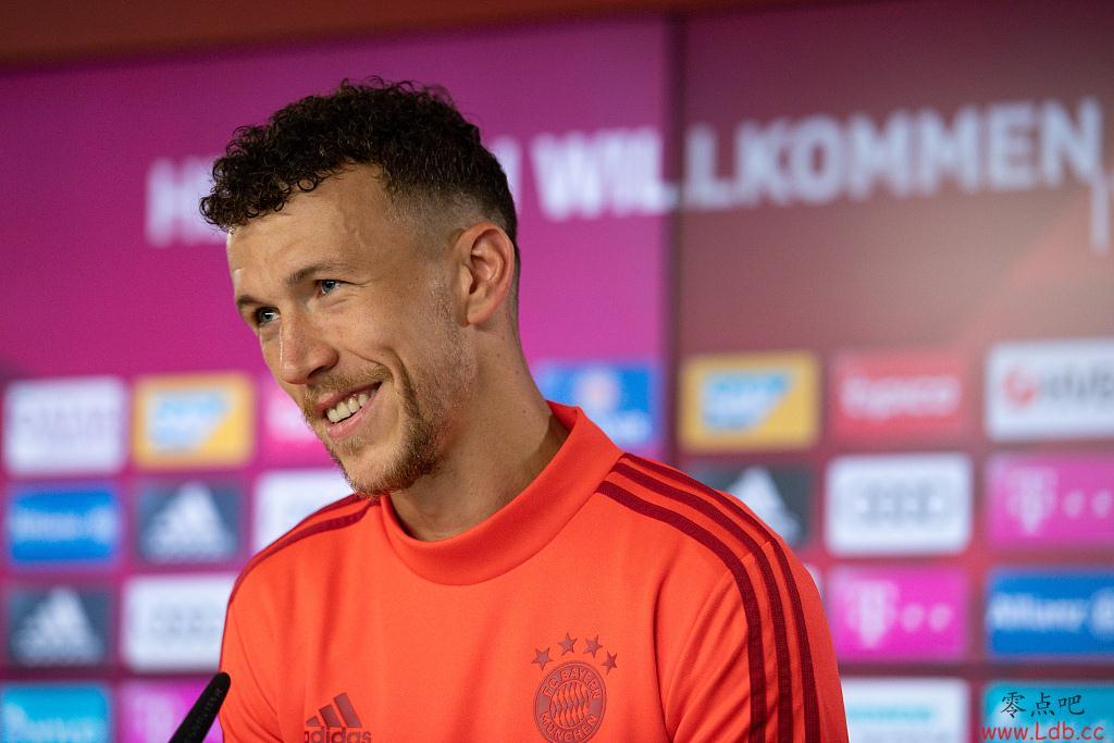 佩里西奇:不排除继续留在拜仁 我在慕尼黑的一切都是积极的